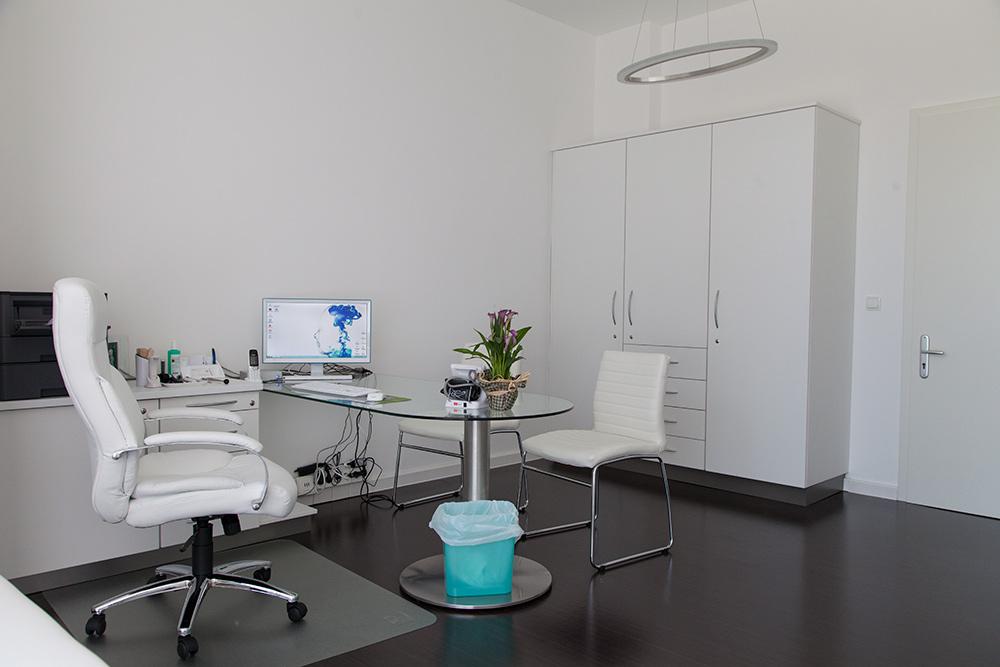 Praxis Elstal Arztzimmer 02